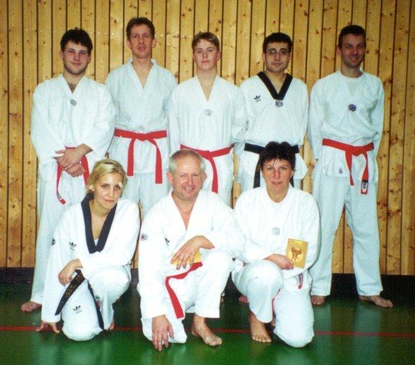 Unsere neuen Dan-Träger im Jahr 2000