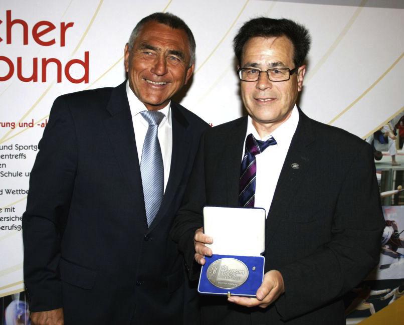 Wolfgang Brückel erhält Verdienstmedaille des Badischen Sportbundes