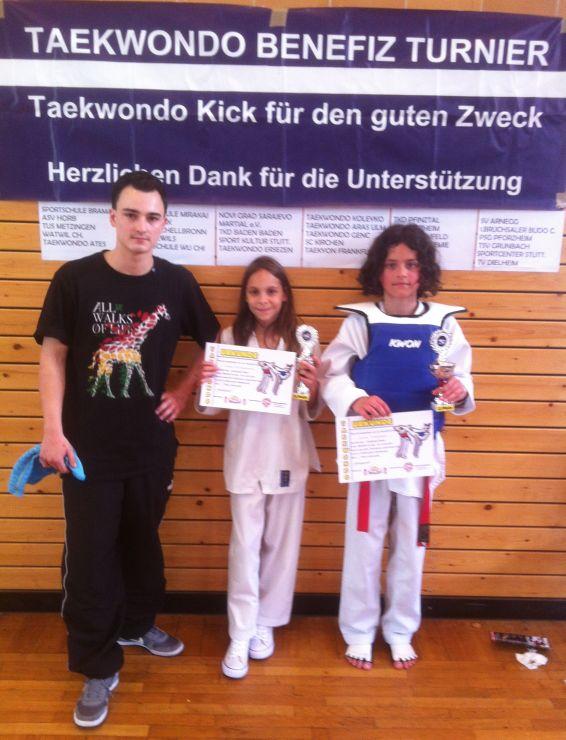 Taekwondo-Pfinztals Nachwuchs kämpft für guten Zweck