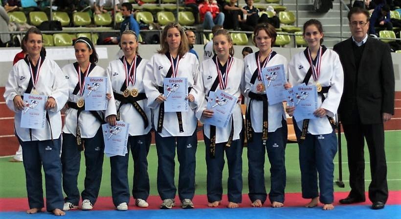 Taekwondo Pfinztal beim Park Pokal 2013 Poomsae und Freestyle